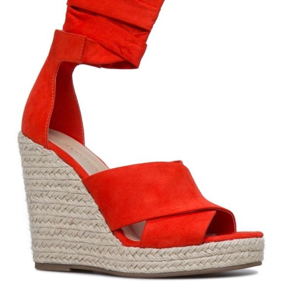 65c2d23d671 Size 10 mandarin orange ShoeDazzle wedges